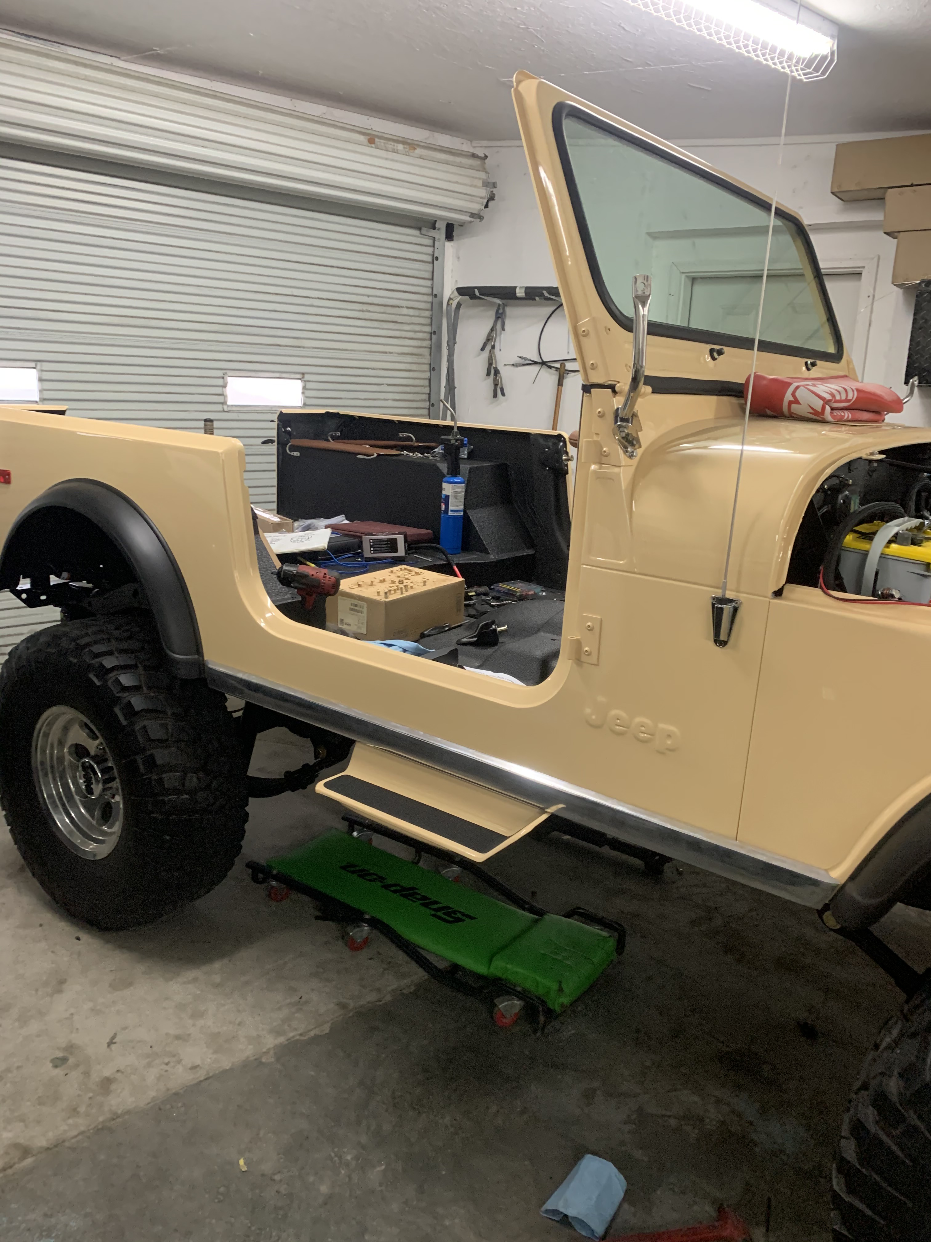 1983 Soft Yellow Cj7 Thumbnail