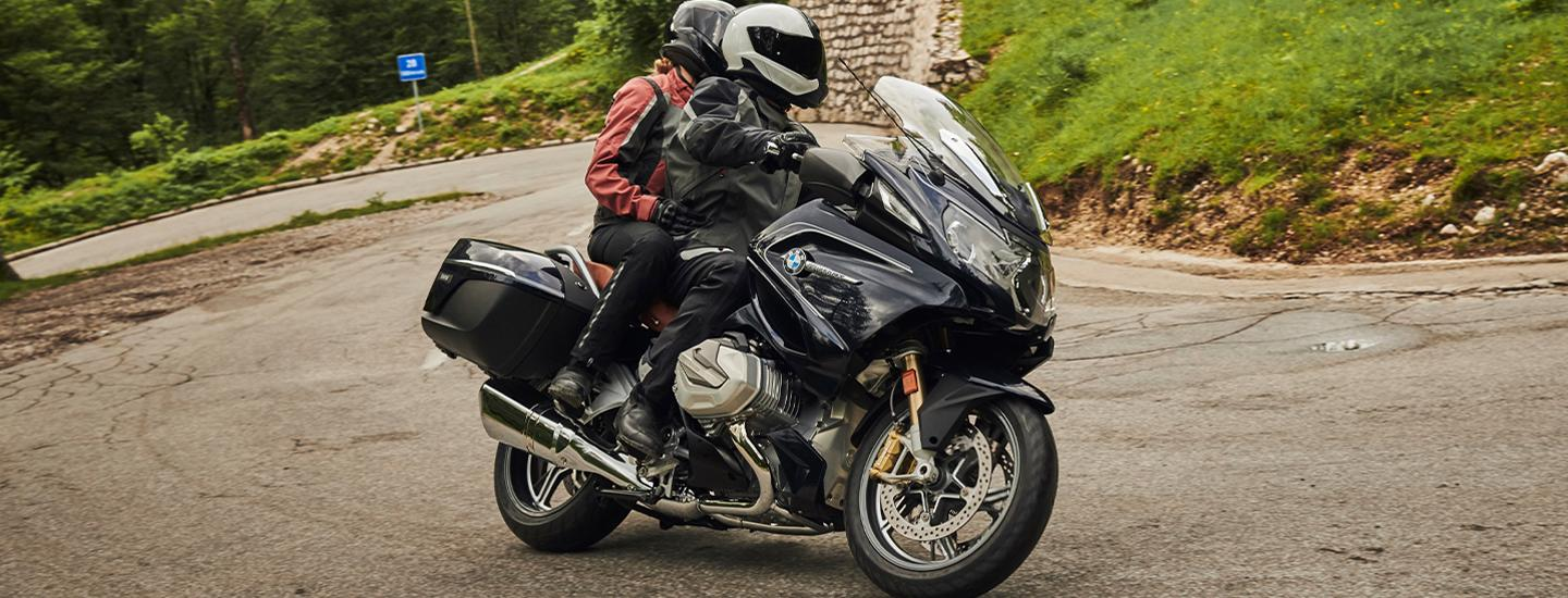Side view of the 2020 BMW R 1250 RT parked
