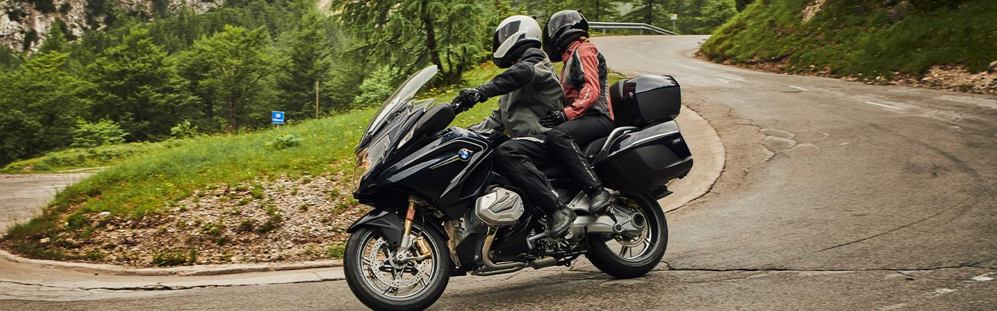 Side view of the 2020 BMW R 1250 RT making a turn