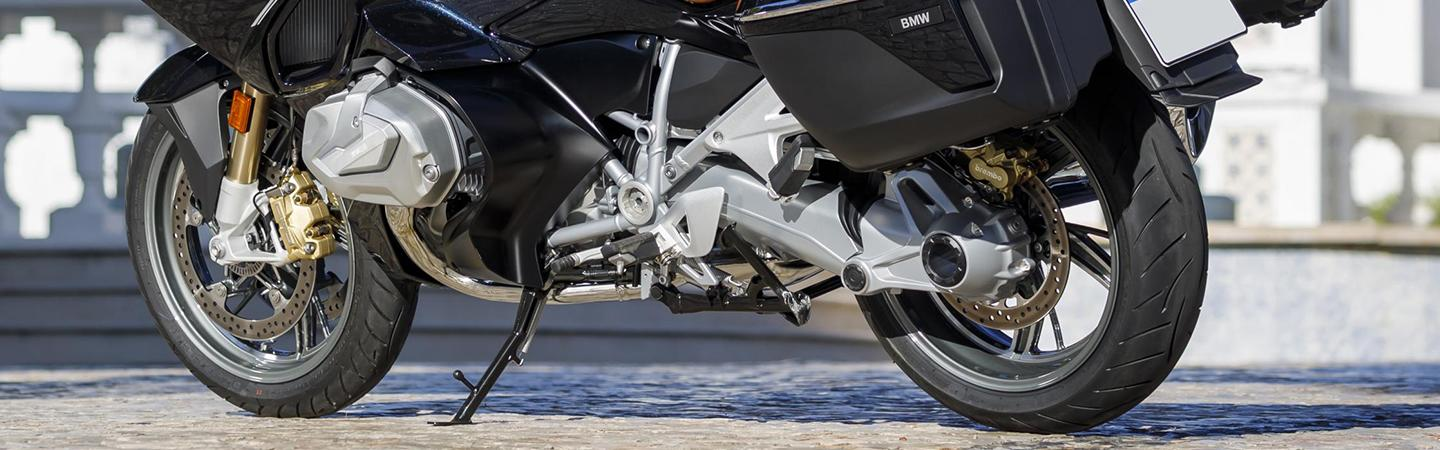 Close up of the bottom of the wheels for the 2020 BMW R 1250 RT