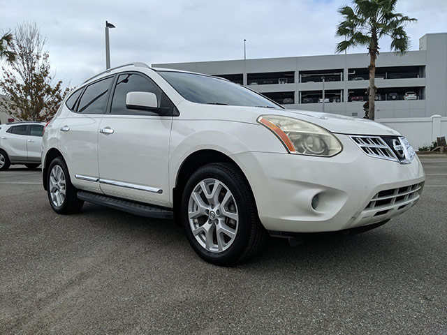 Pre-Owned 2011 Nissan Rogue