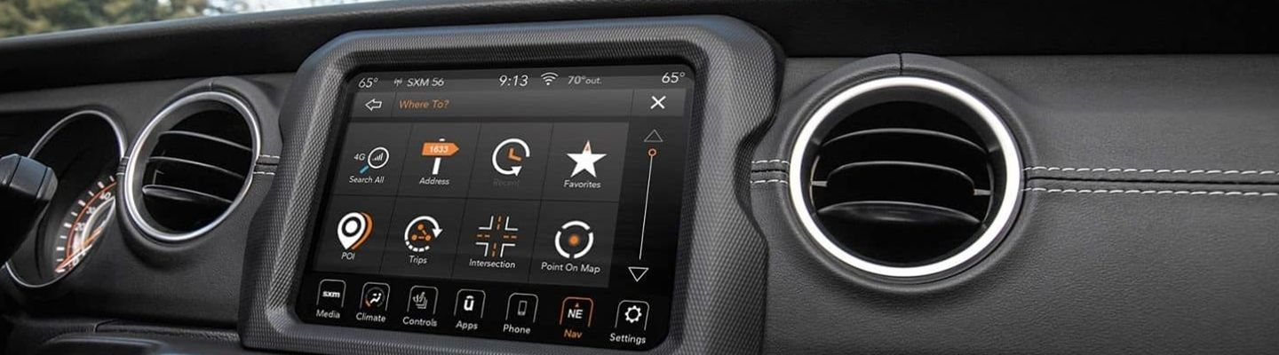 Touch screen display system in the 2021 Jeep Gladiator