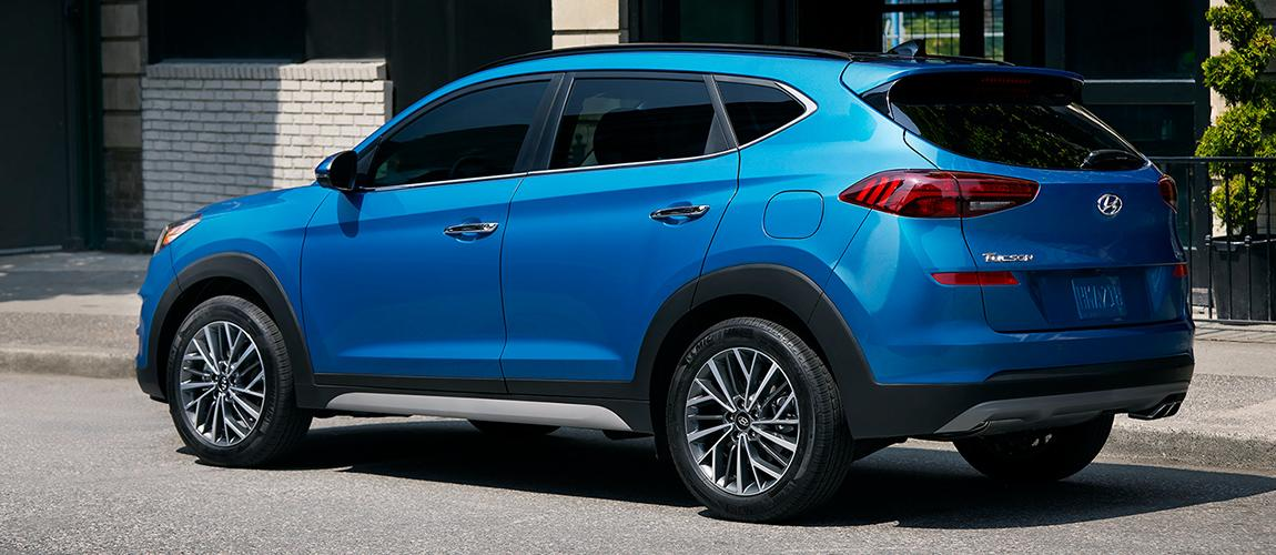 Side view of the 2020 Hyundai Tucson parked