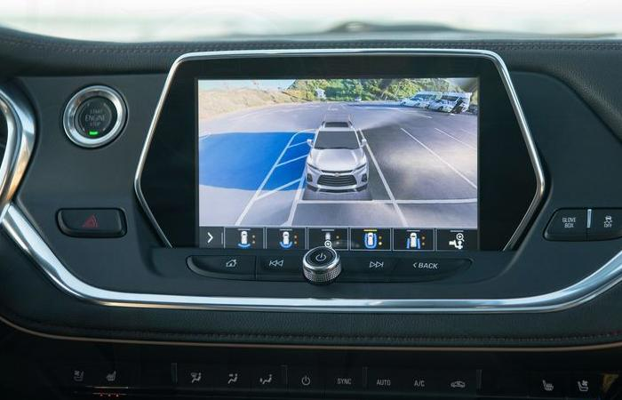 Close up view of a Chevrolet Blazer touchscreen