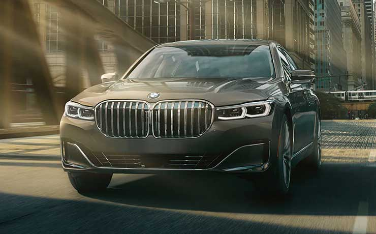 2022 BMW 740