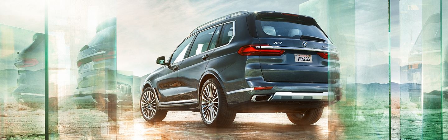 Rear view of the 2020 BMW X7