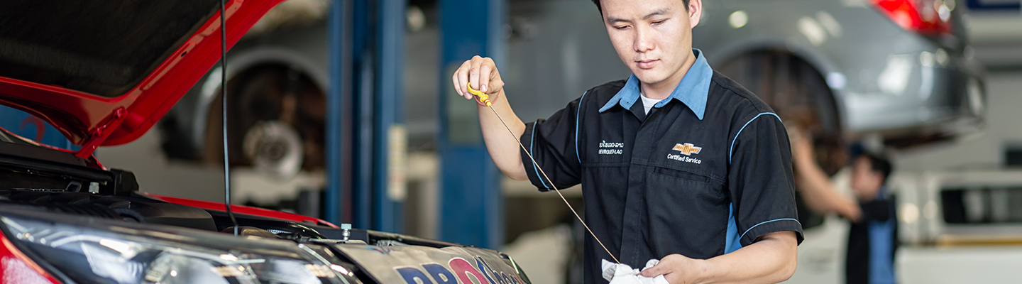 Oil change service at Spitzer Chevy Amherst Ohio