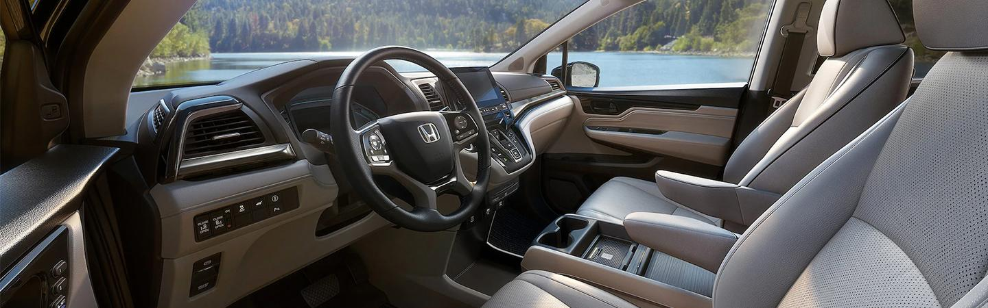 Steering wheel and entertainment center of the 2021 Honda Odyssey