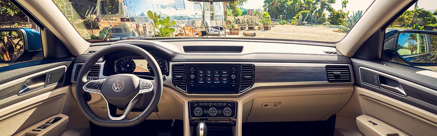 Steering wheel and entertainment console inside the 2021 Volkswagen Atlas