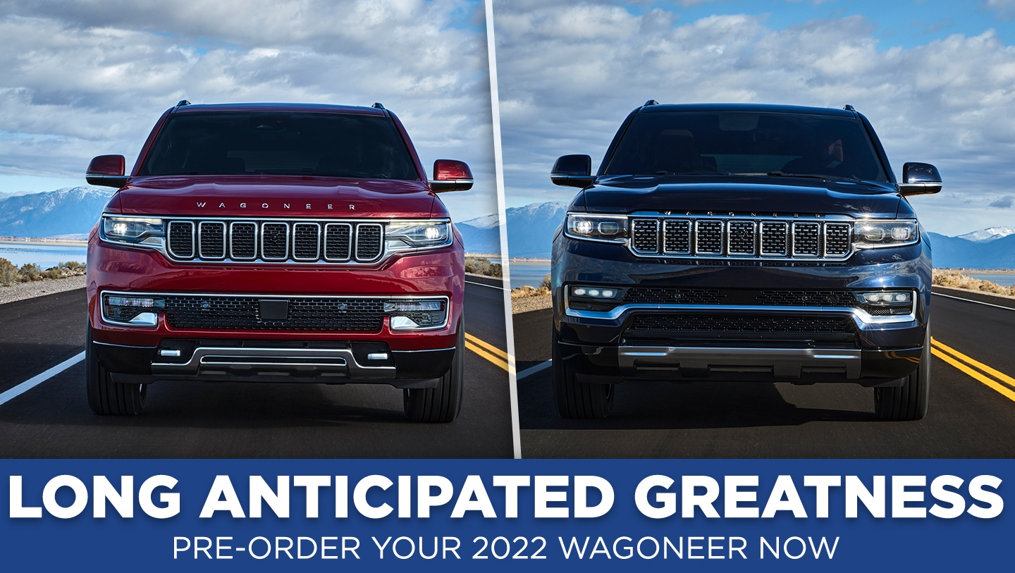 Jeep 2022 Wagoneer and Grand Wagoneer side by side on the road