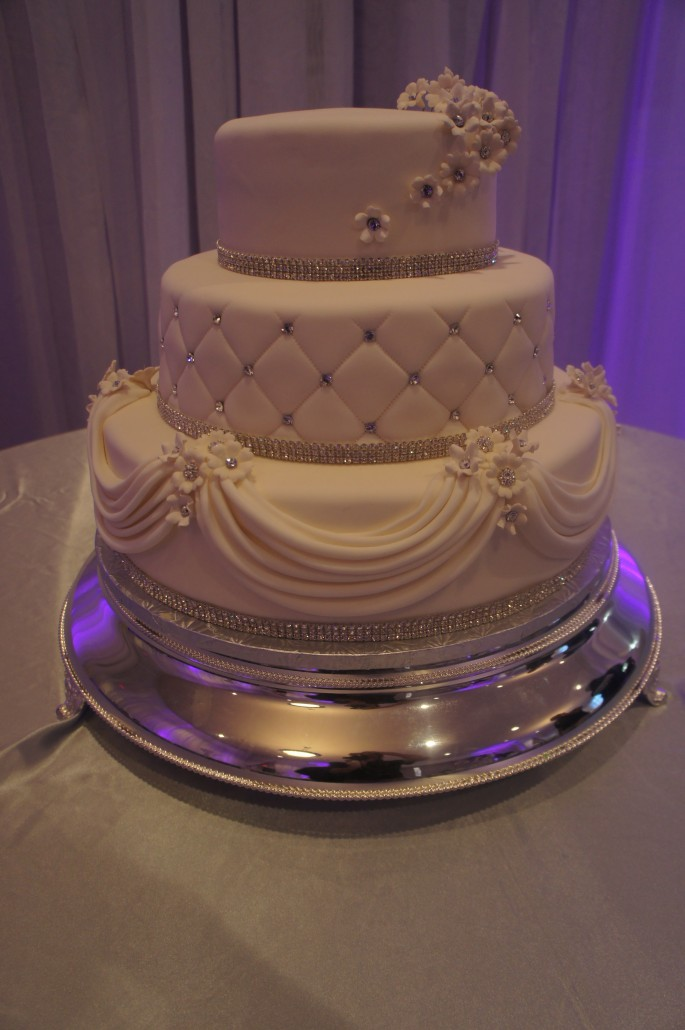 wedding cakes bakery wedding cakes classic bakery 23841