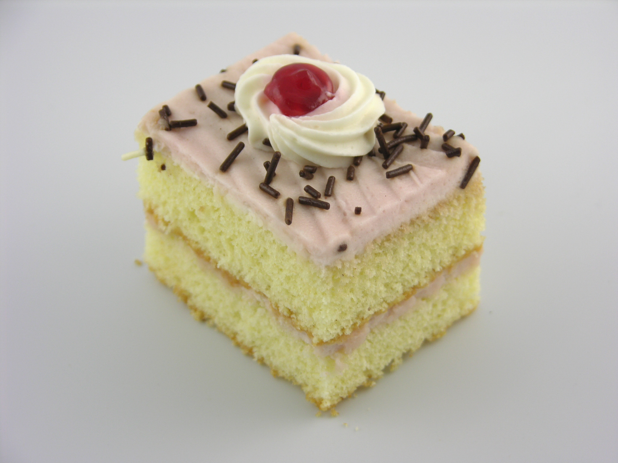 raspberry cake pastry 14 50 moist yellow sponge cake layered and iced ... Cake
