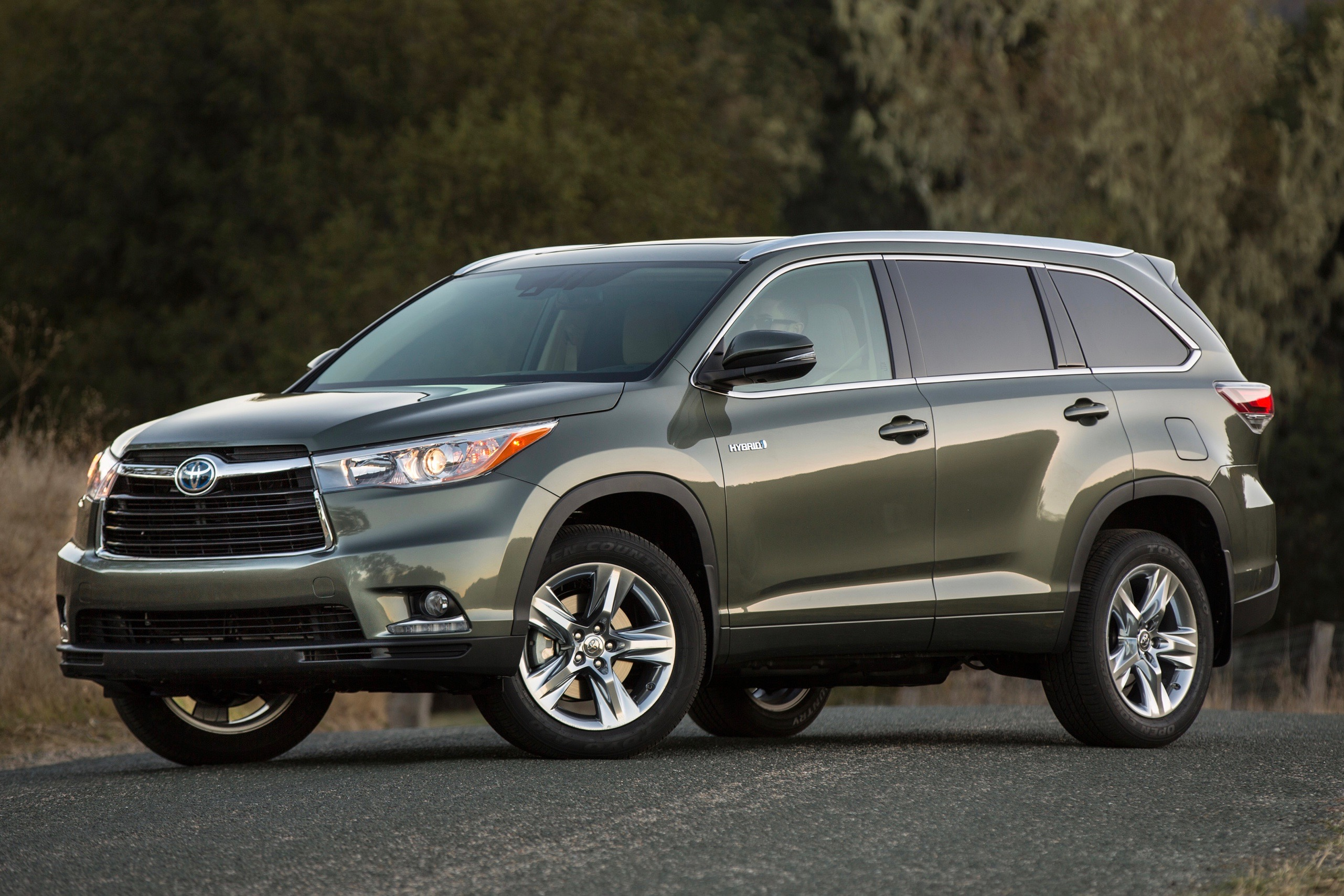 Fuel-efficient and Family-friendly Used SUVs | CARFAX Blog