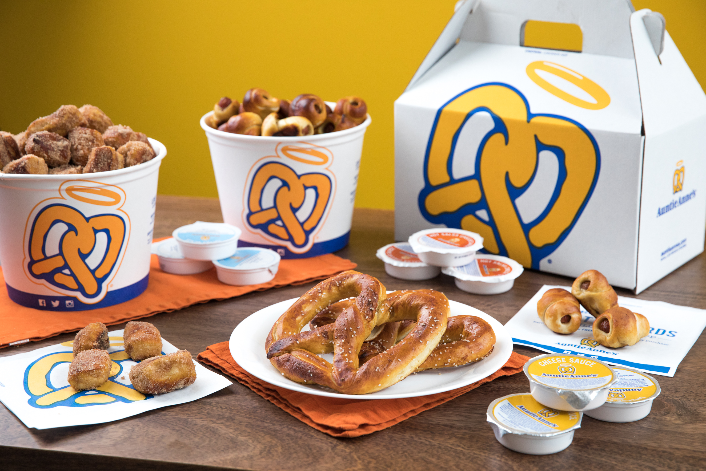 Whether you want a platter of pretzels or cinnamon buns, it's easy to find delicious catering options from Auntie Anne's.