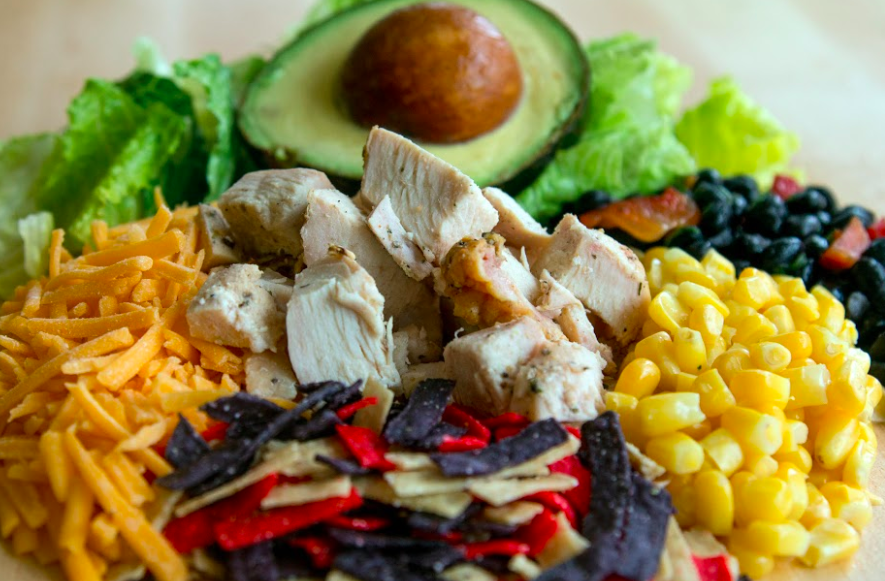 Whether you're looking for leafy-green salads, smoothies, or grain bowls, these restaurants are dishing up the best healthy catering dishes in Denver, delivered right to your office.