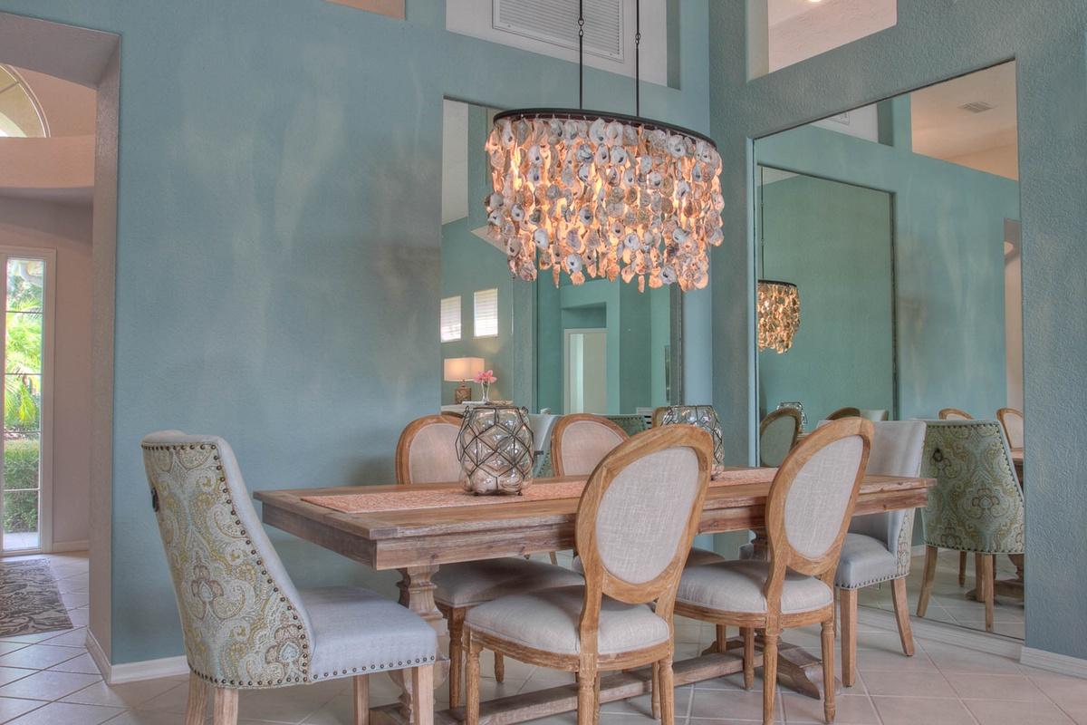 An elegant Bradenton vacation rental dining room, blue