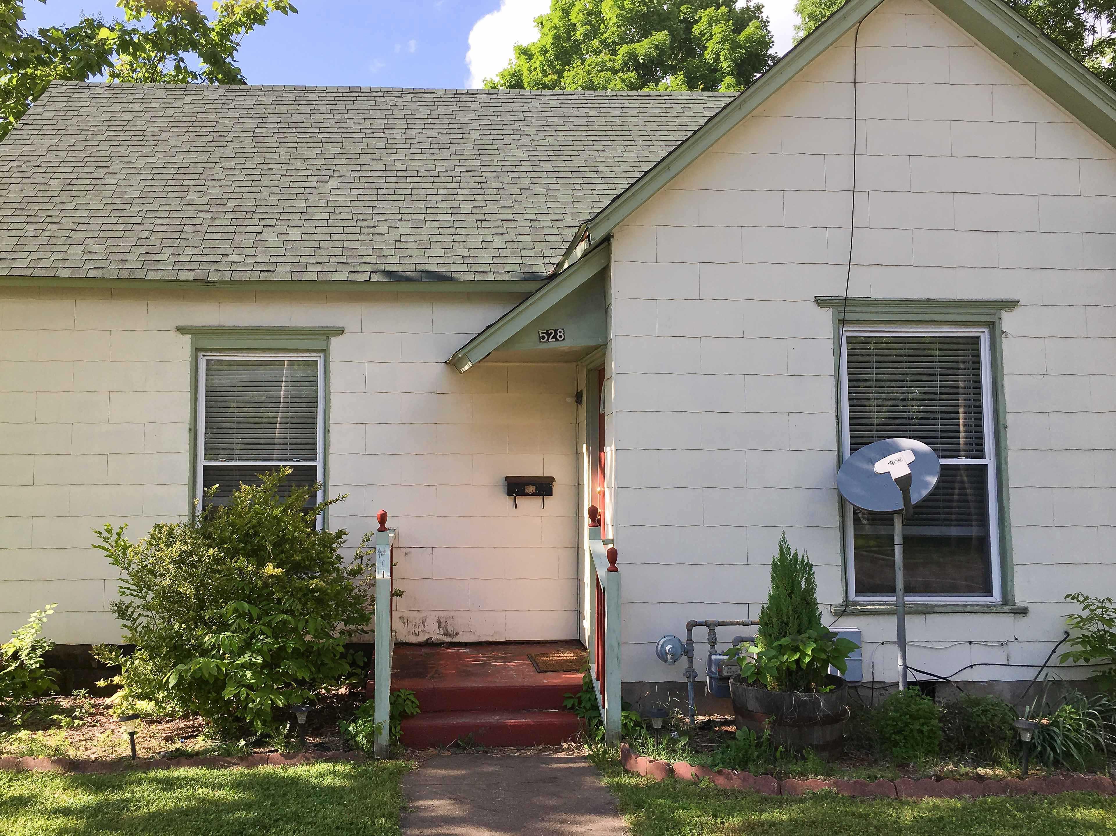 528 W Austin Blvd