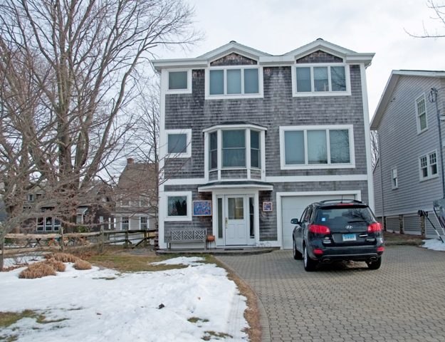 25  Crescent, Groton long Point, CT 06340