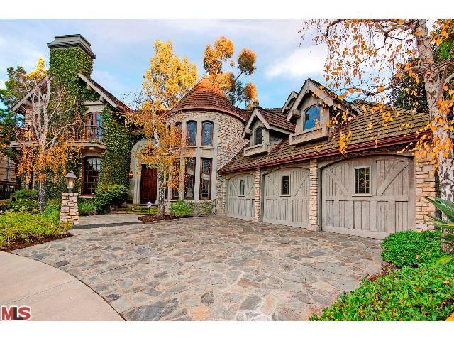12139 SUMMIT CT, BEVERLY HILLS, CA 90210