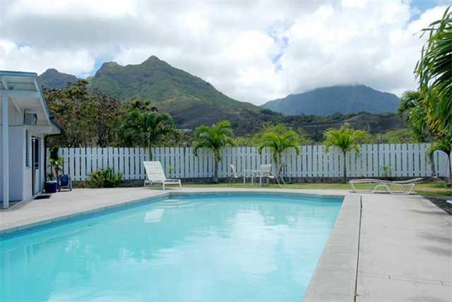 1428  Nanaloko Place, Kailua, HI 96734