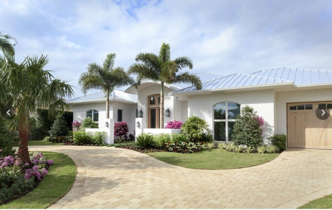 627 5th Ave., N, Naples,