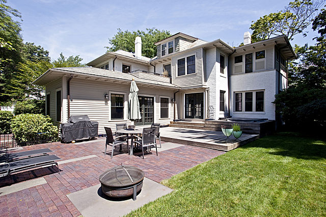 105 Larchwood Drive, Cambridge, MA 02138