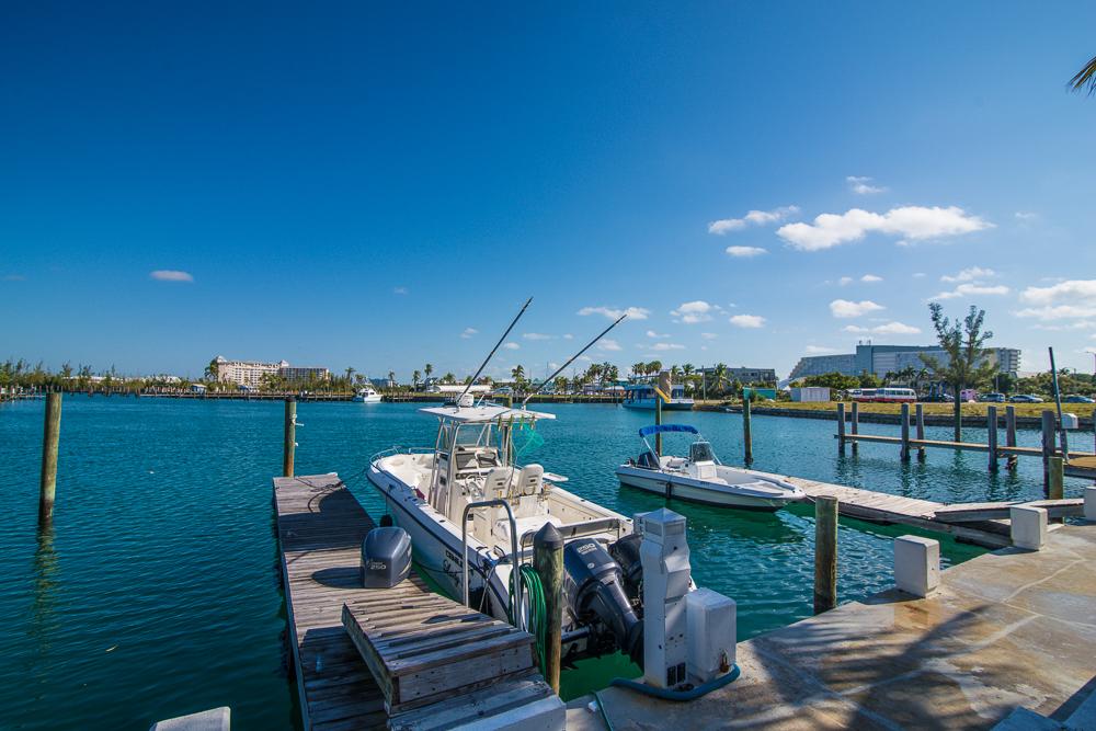Beautiful Canal front Rental at Newport , Grand Bahama/Freeport, BS