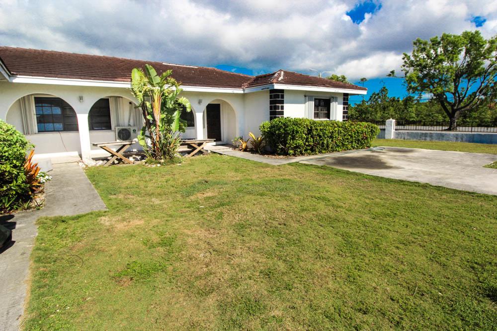 3 Bedroom Duplex Unit in Seahorse, Grand Bahama/Freeport, BS