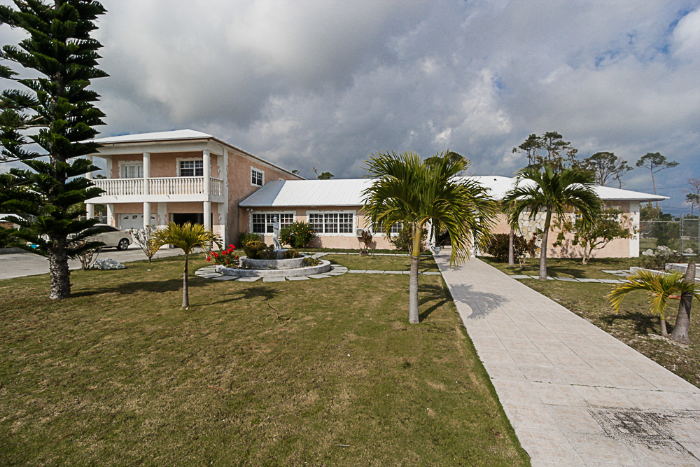 Charming Family Home Rental in Lucaya, Grand Bahama/Freeport, BS