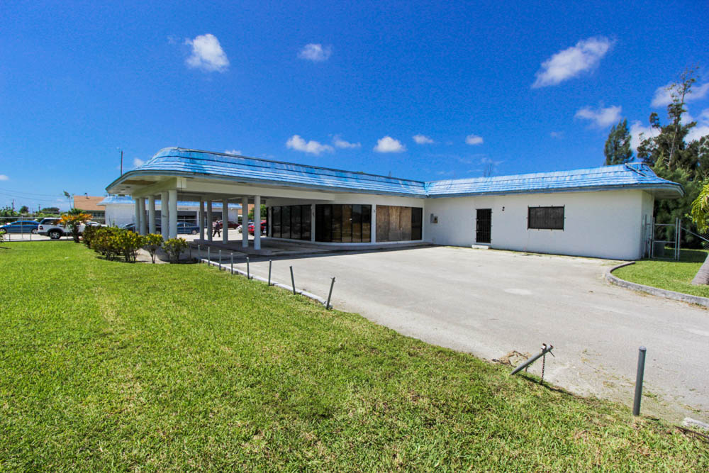 Holiday Auto Office Space and Showroom Rental, Grand Bahama/Freeport, BS