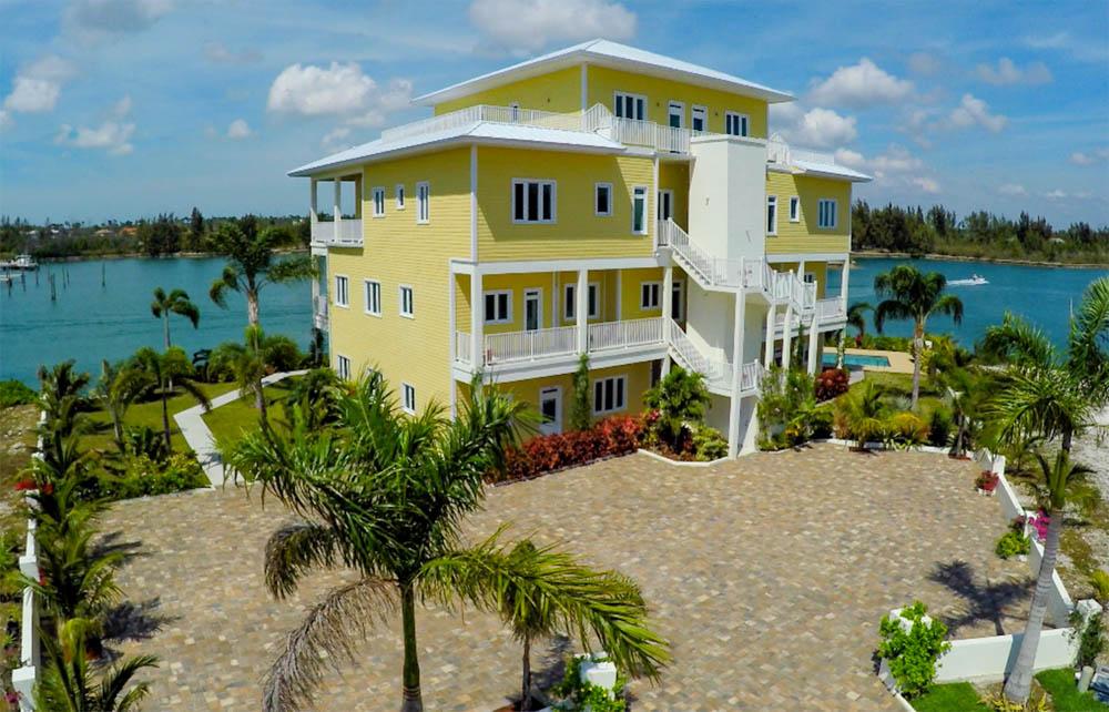 Lucayan Gardens Condominium, Grand Bahama/Freeport, BS