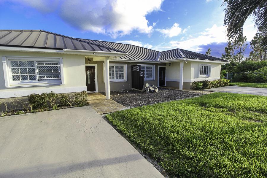 Turnkey Lincoln Green Duplex Rental, Grand Bahama/Freeport, BS