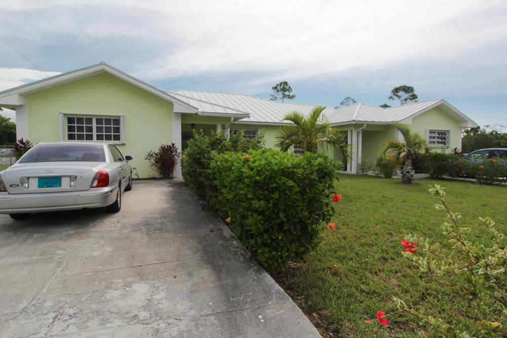 Lovely 3 Bedroom Short-Term Rental in Fortune Point, Grand Bahama/Freeport, BS
