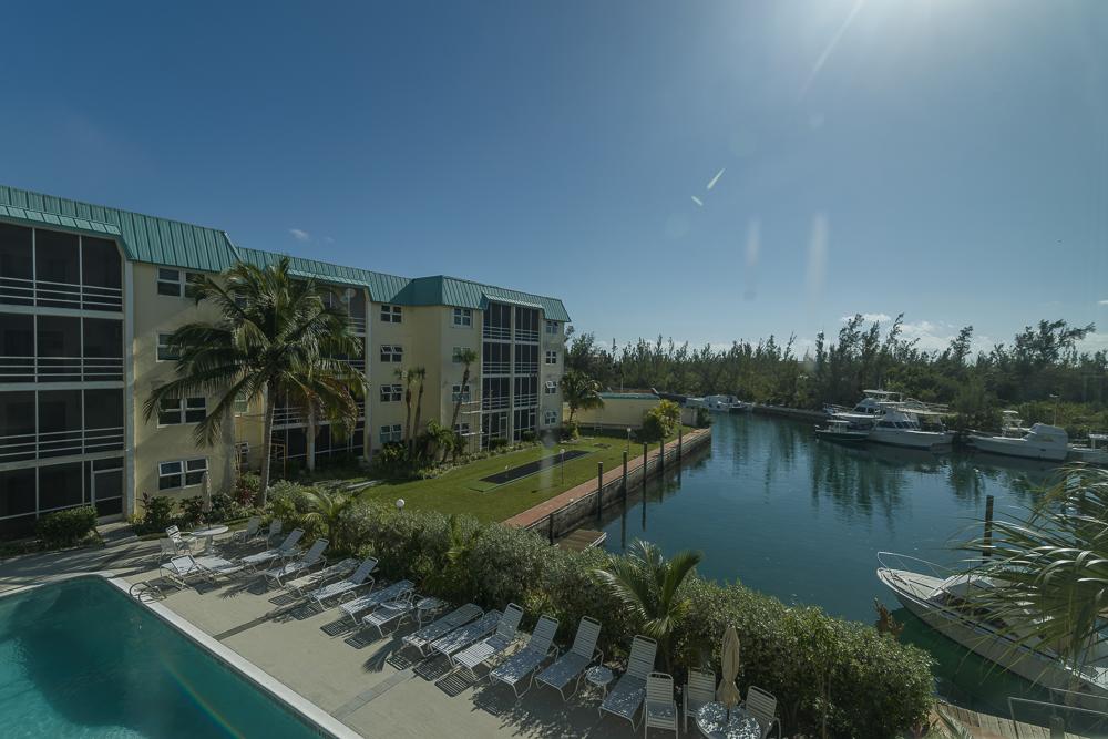 Gated 2 Bedroom 2 Bath Dockside Condo, Grand Bahama/Freeport, BS