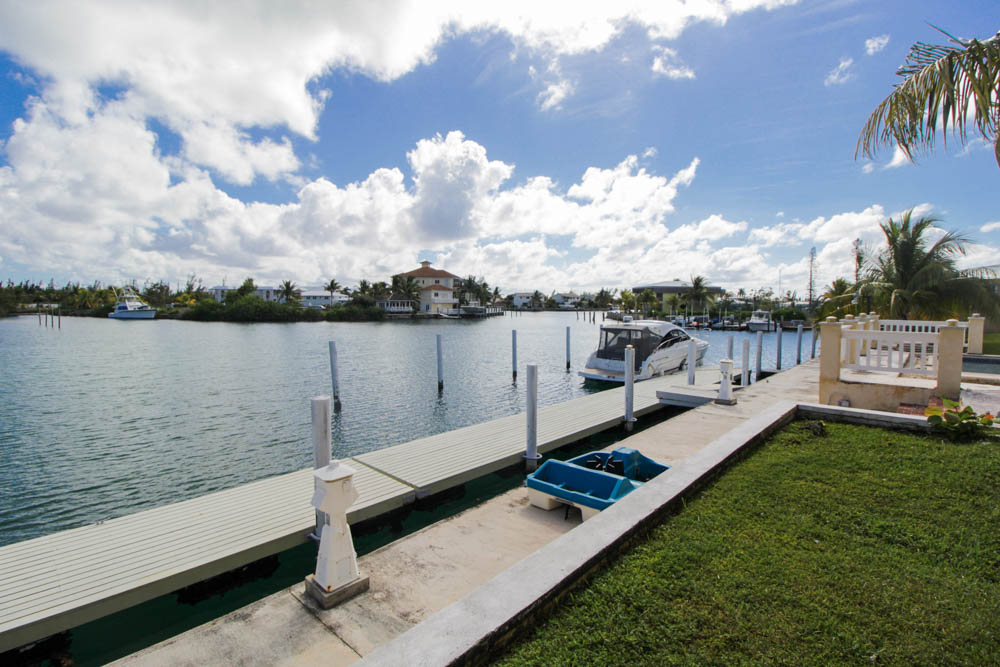 Canalfront Short and Long Term Rentals at La Chateau, Grand Bahama/Freeport, BS