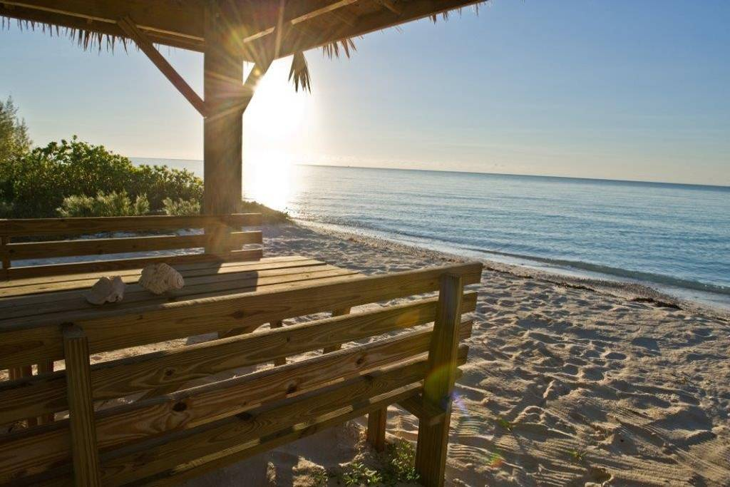 Beautiful Beachfront 5 Bedroom Vacation Short Term Rental, Grand Bahama/Freeport, BS