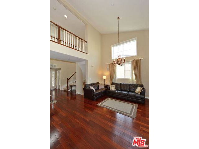 Experience The Playa Vista Lifestyle In This Premier Penthouse. This  Gorgeous, Townhouse Style,