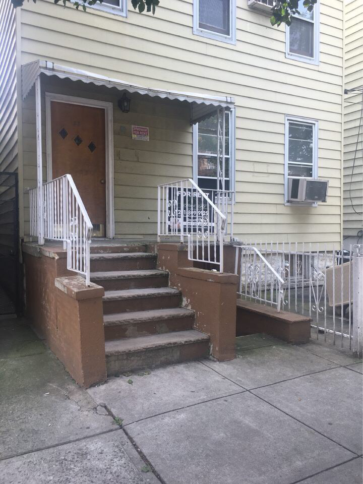 Logan Ave 1, Jersey City, NJ 07306