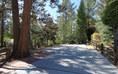 located within the spectacular lake front community of Big Bear Shores. Big Bear Shores is a gated community that offers beautifully landscaped grounds and a club house with fireplace, full kitchen, TV's, entertainment areas and pool tables. Other amenities include a gym, tennis court, basketball, pickle ball, laundry facility, pool, two spas, restrooms with showers and lockers.
