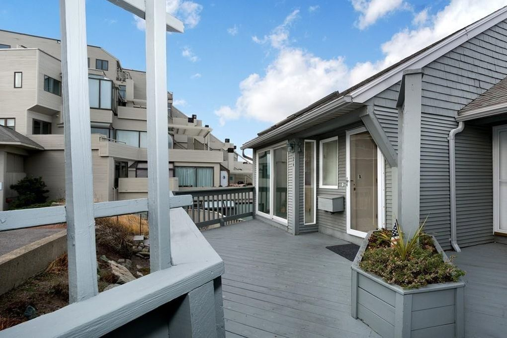 24 Oceanside Waterfront Dr