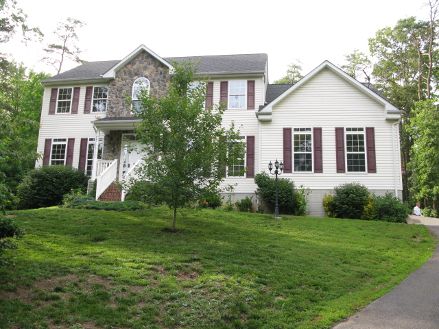 8311 Oak Pond Way, Fredericksburg, VA 22408