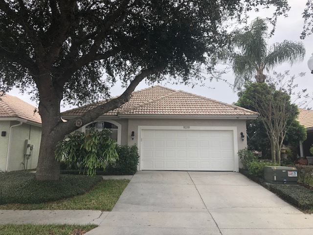 Coming Soon – 3BD/1BA HOME in MT. DORA, FL 32757!Highlights: Move-In Ready • 2-Car Garage • Golf Community  • Low Maintenance Living • Top Rated Schools • No Rear Neighbors • Community Amenities • plus much more!Offering all that living the Florida lifestyle entails in this ideal 3BD/1BA home in the serene Country Club of Mt. Dora community!
