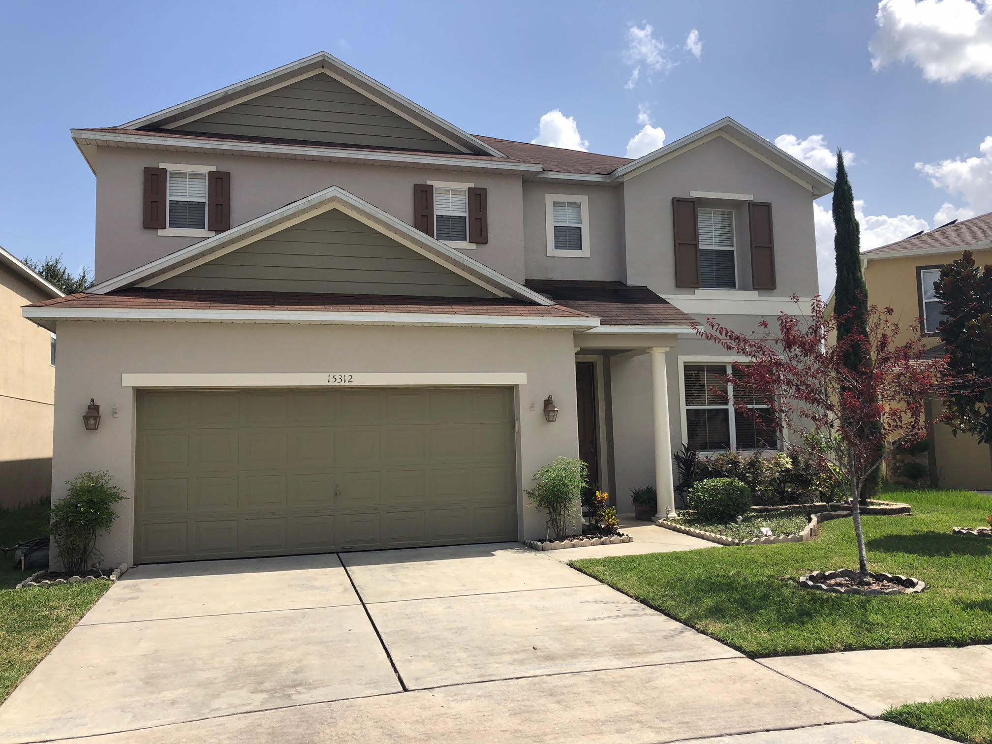 Discover sophisticated living in this beautiful home situated on a serene cul-de-sac in the Waterford Trails community. Only minutes from WATERFORD LAKES. Located within Avalon Park, offering seasonal events, mom-and-pop restaurants/eateries, trendy boutique shopping, movie nights in the park & more!