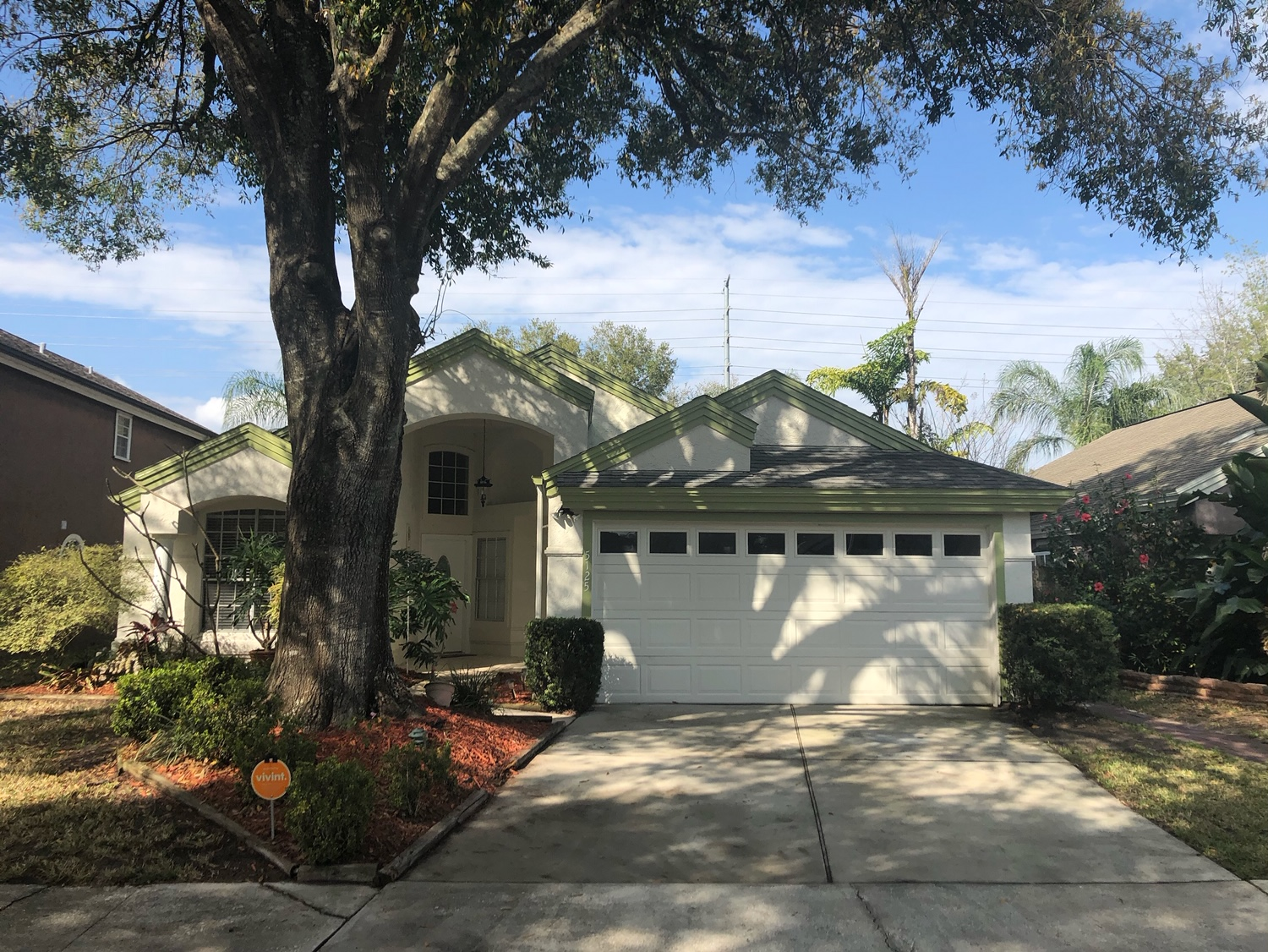 🏠 Coming Soon – 3BD/2BA UPDATED HOME in Orlando, FL 32812! 🌟 Highlights: No Rear Neighbors • Brand New Roof • Updated Kitchen • Laminate Floors • Large Bedrooms • Fully Fenced Backyard • Nearby Downtown Orlando • and much more.Whether you're a first time home buyer or looking for more space, look no further! This stunning POOL HOME is the perfect place to call home!