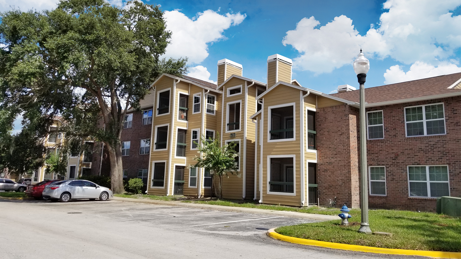 Your new home is waiting at Regency Gardens! Whether you're a first-time home buyer or investor, you'll appreciate this spacious condo showcasing NEW A/C, NEW PAINT, and NEW CARPET. This sought-after community offers a plethora of amenities in close proximity to everything you need!