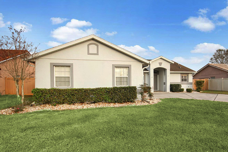 Run, don't walk!  This well cared for home is in pristine condition and is priced to sell! Wake up to your beautiful water view! This is a great home for any family and close to all that Waterford has to offer!