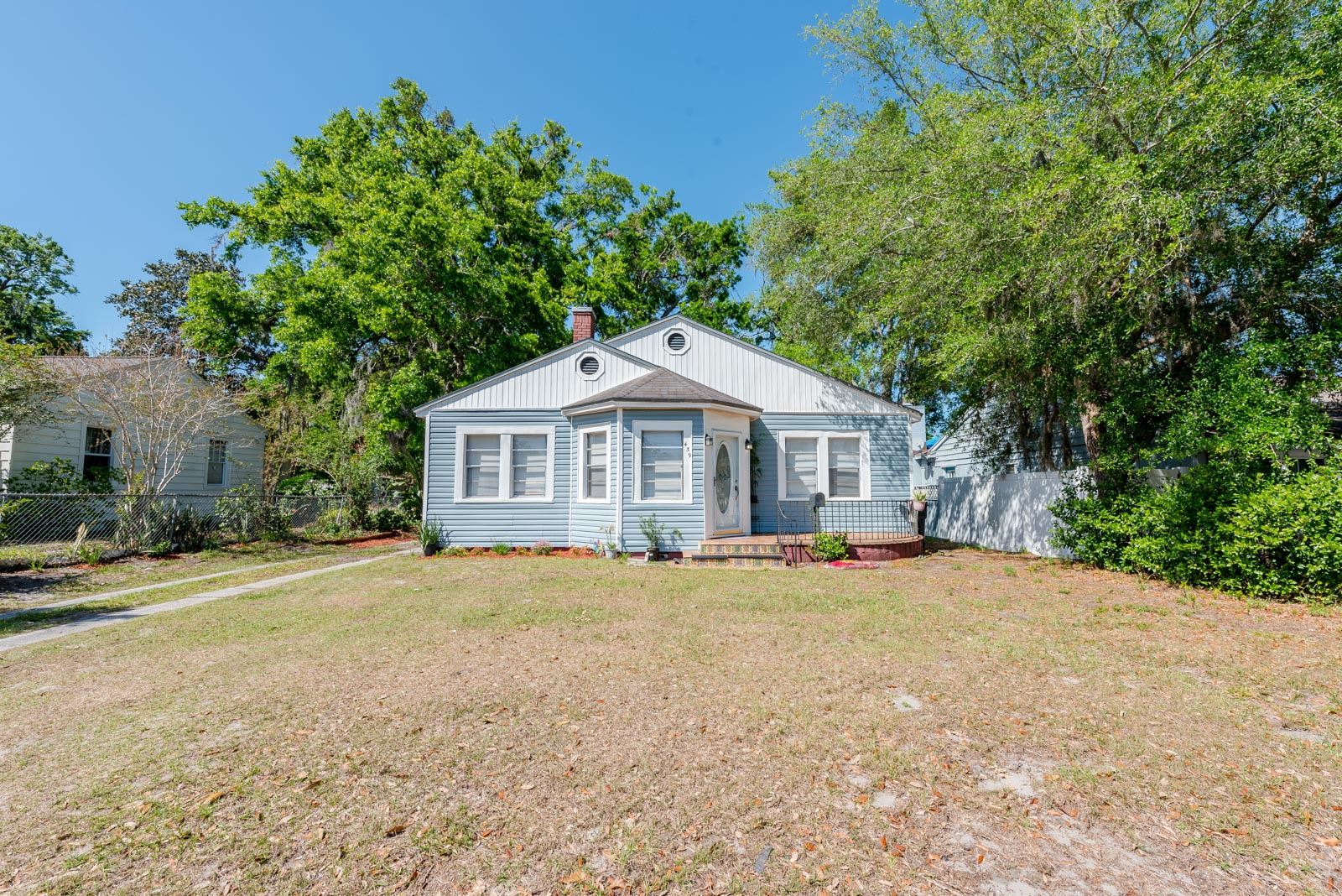 Live near the best Orlando has to offer! This lovely bungalow is in a spacious lot near Downtown Orlando showcasing a perfect IN LAW SUITE. Zoned for SHORT TERM RENTALS. Whether you're a first time home buyer, looking to downsize or investor, you'll appreciate this perfect sized home!