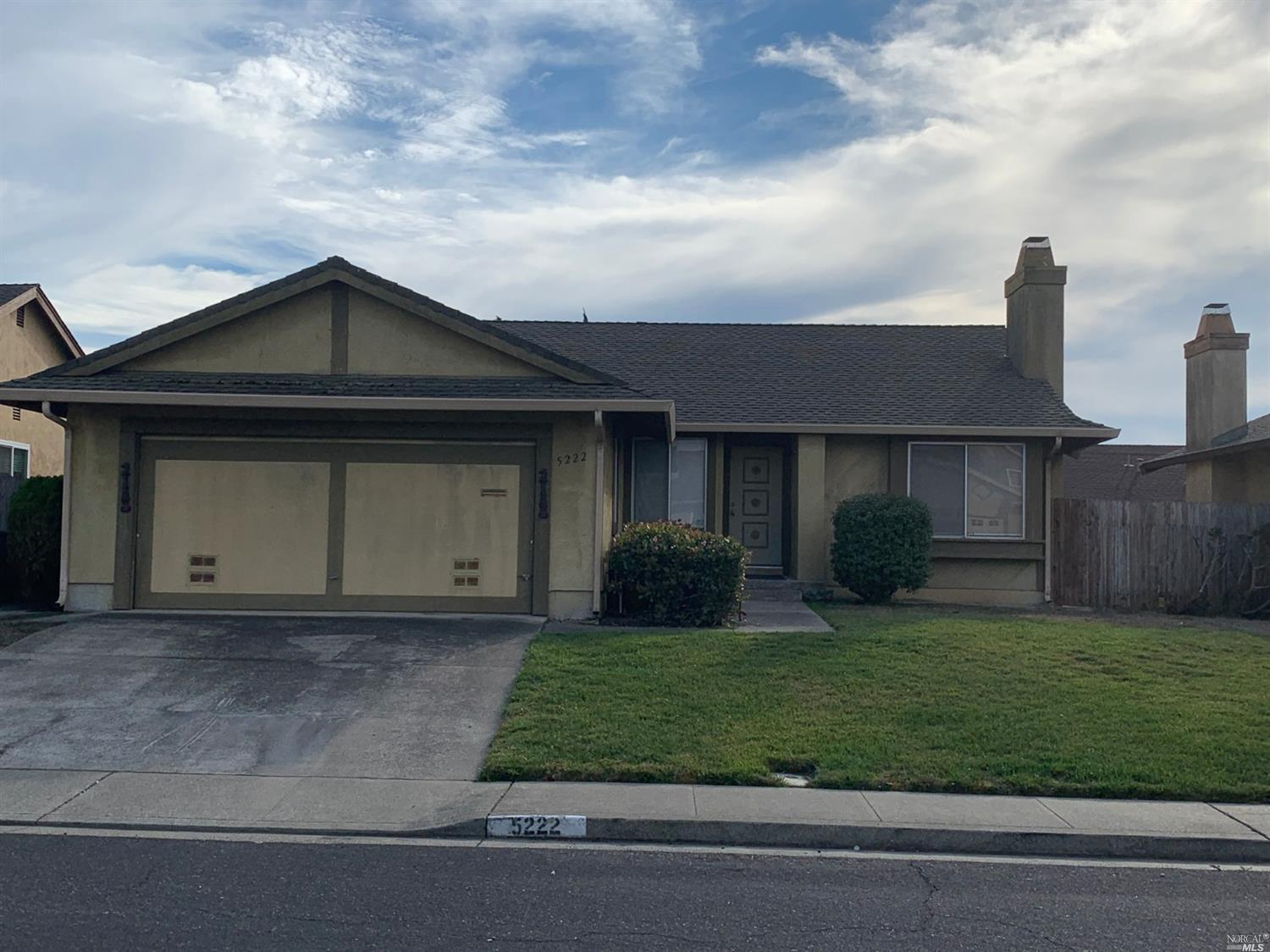Lovely home in a quiet El Cerrito cul-de-sac. Charming 3 bed and 2 full baths. Very spacious for entertaining and hosting. Minutes from the bart station. Minutes from multiple freeways. All your shopping needs in a very close proximity. Reasonably priced. This one won't last long.