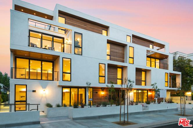 ONE 32 SWALL IS A CONTEMPORARY 4-STORY LUXURY CONDOMINIUM BUILDING LOCATED IN WHAT IS ONE OF THE TRENDIEST LOCATION IN LOS ANGELES; SITUATED WITHIN WALKING DISTANCE FROM THE FAMOUS SHOPPING DISTRICTS OF BEVERLY HILLS AND WEST HOLLYWOOD, THIS BRAND NEW 14 UNIT COMPLEX IS THE FIRST OF ITS KIND IN THIS LOCATION AND SETS A NEW STANDARD IN CONDO LIVING. THE PROPERTY OFFERS SPACIOUS TWO- AND THREE-BEDROOM RESIDENCES WITH PRIVATE BALCONIES, CUSTOM MIELE CHEF'S KITCHEN AND FLOOR-TO-CEILING WINDOWS WITH UNITS RANGING IN SIZE FROM 1,300 TO 2,500 SQUARE. (Pictures are of various sample units in the building)