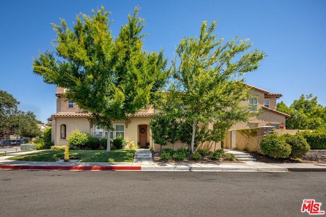 Beautifully maintained town home in sought after Oak Terrace community in Newbury Park. The modern open floor plan features living room, dining room and kitchen combination. The kitchen is complete with gorgeous custom cabinetry, granite counter tops and stainless-steel appliances. The living area opens to a huge entertainers enclosed private patio with outside ingress and egress. There is direct access from the two-car garage which is big enough for extra storage. At the top of the stairs you will find an executive workspace with built in desk and plenty of counter space and storage. There are 3 generous sized bedrooms that includes a spacious master suite with front facing sunny balcony, walk in closet and double sinks in the master bath. The upstairs laundry room offers plenty of space with, storage and a sink. Close to Shopping, Restaurants, outdoor activities and easy freeway access. This home has been lovingly cared for and is a must see!